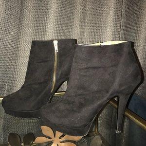 Aldo black booties 9